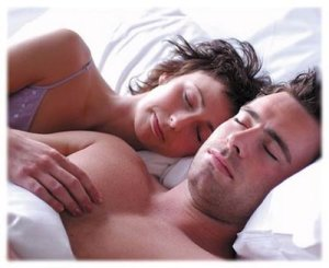 casal_dormindo_bem